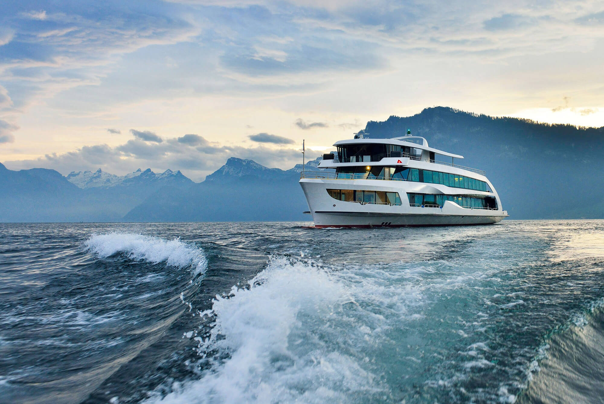 DuFLEX Paneele aus Europa als Standard für Boots- und Schiffbau